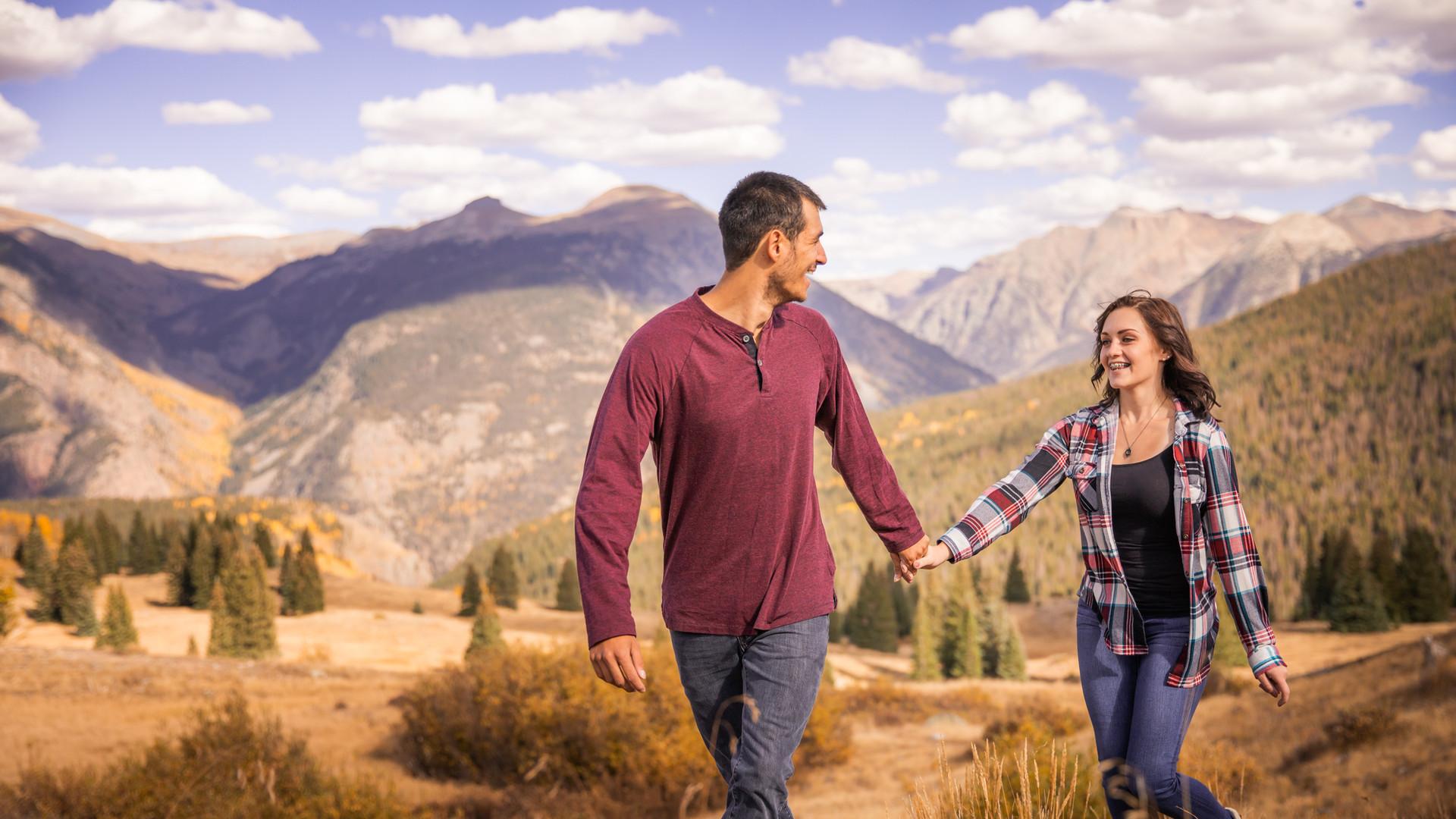 Mountain Adventure Couple Photos Portraits