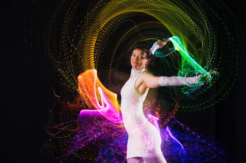 lisa-looping-led-whip-9_1_orig.jpg