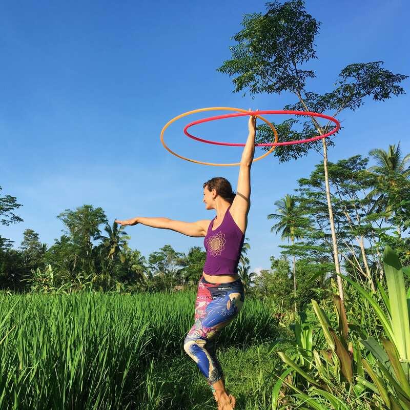 Lisa Hula Hooping with 2 Hoops in Bali