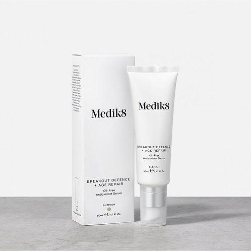 Medik8 BREAKOUT DEFENCE + AGE REPAIR™ Безмасляная антиоксидантная сыворотка