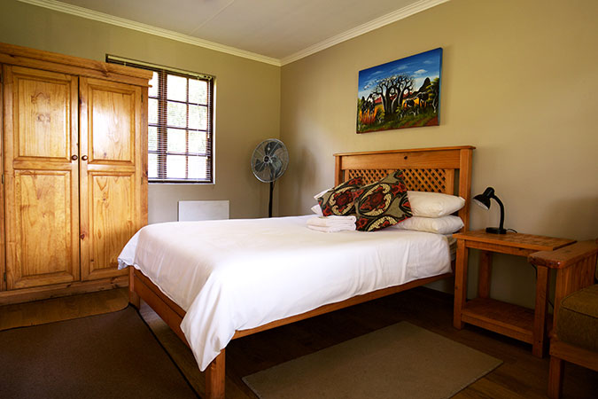 port-st-johns-accommodation-room9-12-1