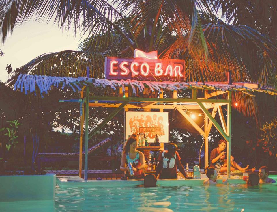 Mozambeat Motel poolbar.jpg