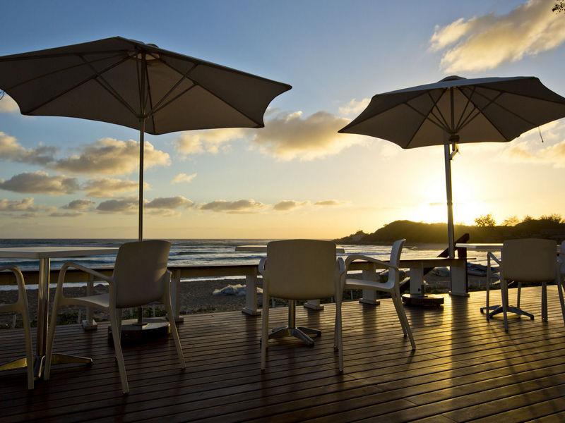 hotel-resort-tofo-mar-gallerydecking-sun
