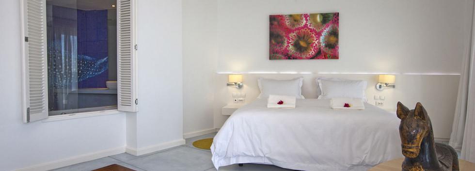 hotel-resort-tofo-mar-gallerybedroom-2.j