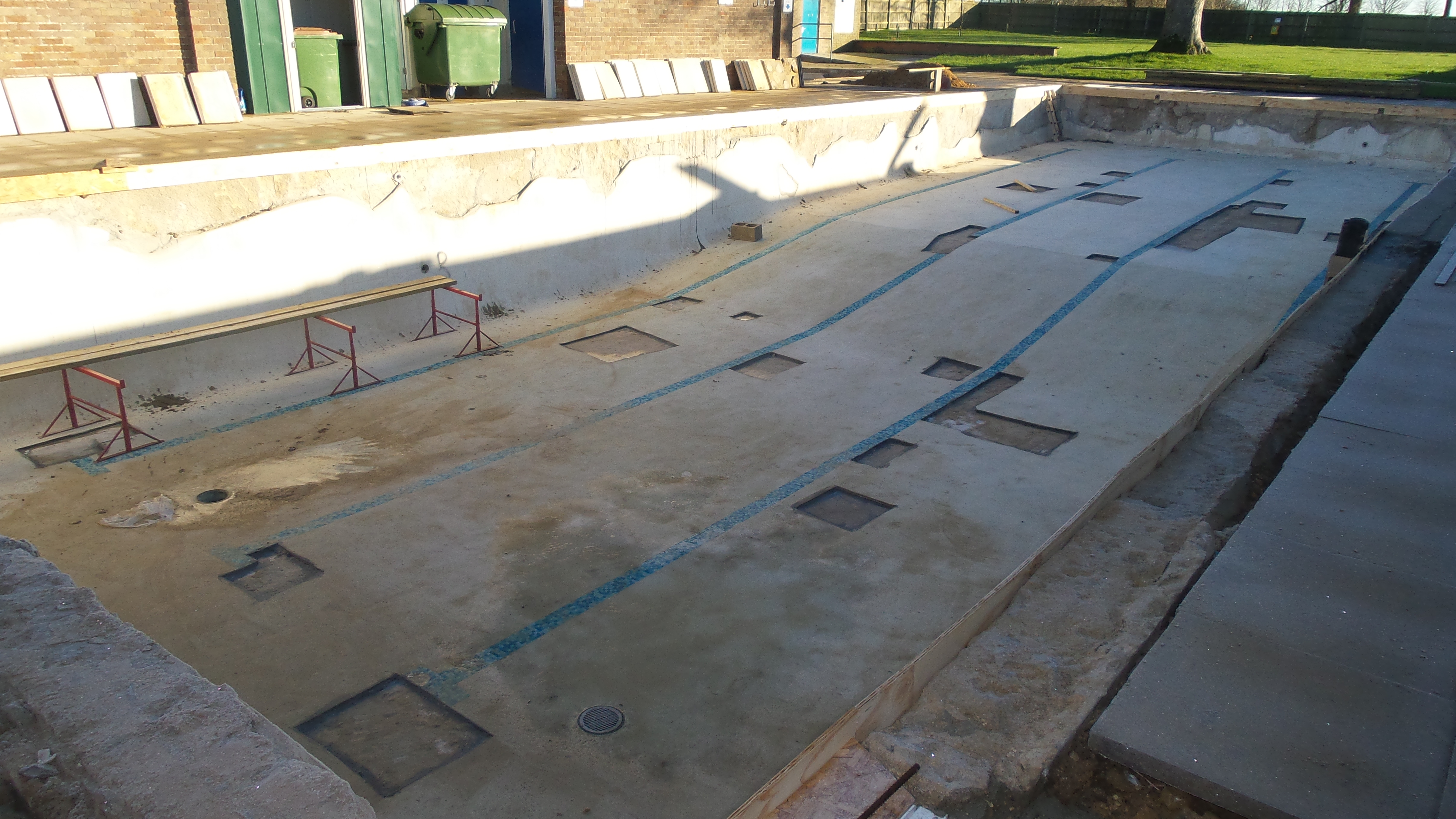 new concrete ringbeam poured behind shuttering