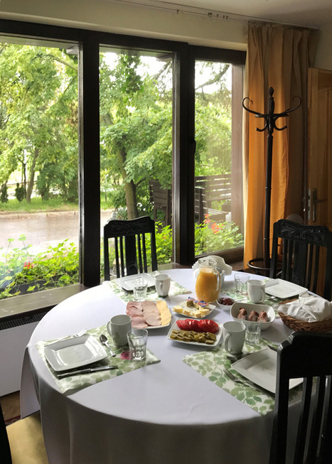 śniadanie w Villi Zosieńka