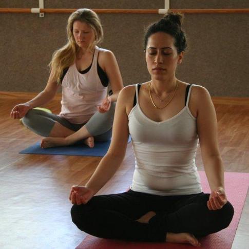 יוגה, שיעור יוגה, יוגה ראשון לציון, מרגיע