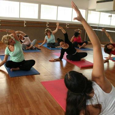 יוגה, שיעור יוגה, יוגה ראשון לציון, מרגיע, תרגול, תנוחות, מתיחות, טליוגה