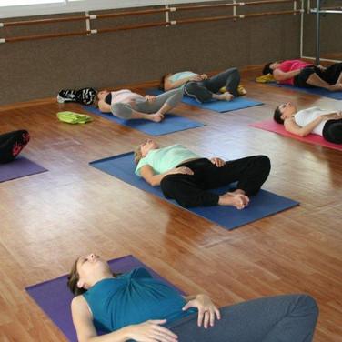 יוגה, יוגה לנשים בהריון, יוגה נשית, שיעור יוגה, יוגה ראשון לציון