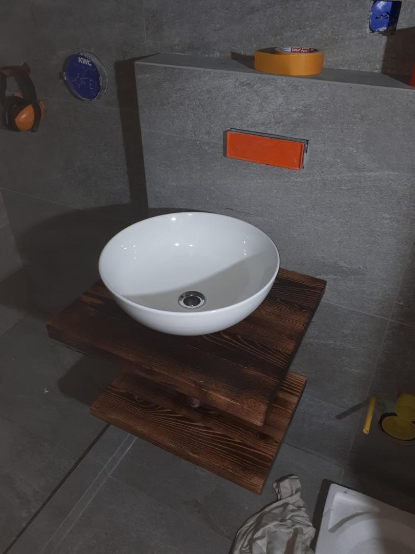Moderne Waschtische aus Altholz.jpeg