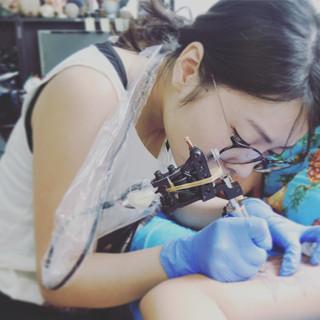Evita Lopez Tattoo_Tattooing.jpg