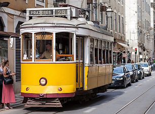 old-fashioned-yellow-tram_78361-1673.jpg