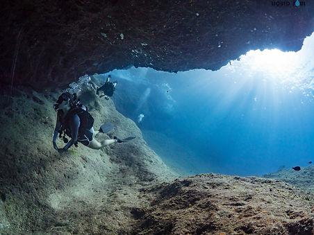 Diving Barracuda Rock in Guam