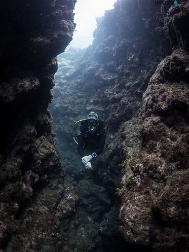 Diving Toguan Caves