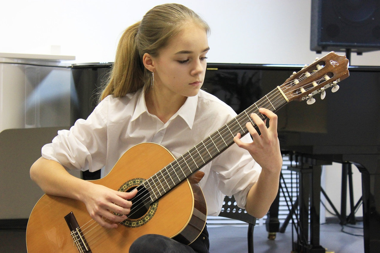 Гитара, электрогитара, бас-гитара