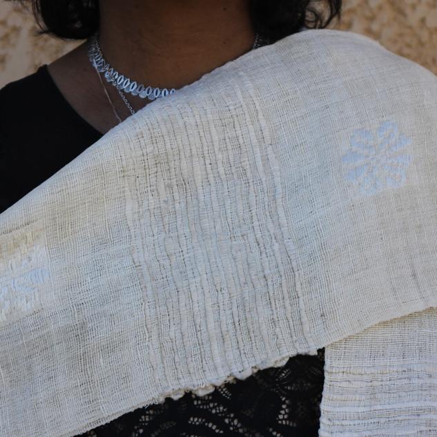 Echarpe en soie d'élevage de Madagascar