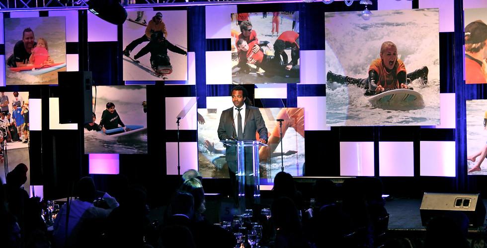 Life Rolls On - Jason Mraz Hosts A Night by the Ocean