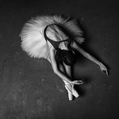 O movimento do balé na arte da ucraniana Oksana Zinchenko
