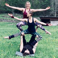 Laura, Sheilina & Max, Acro Yoga Montréa