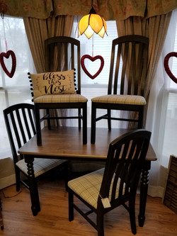 4 seat table and chairs