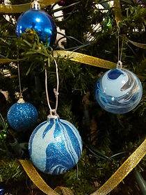 Marbled Xmas Ornaments
