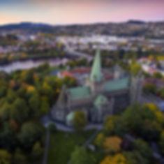 Trondheim og Nidarosdomen_redigert.jpg
