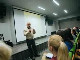 Компания Disney в России и киношкола «Без Границ» объявляют о сотрудничестве.