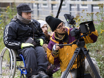 Мы запустилина «Планета.ру» сбор средств на съемки короткометражного фильма «Кормушка».