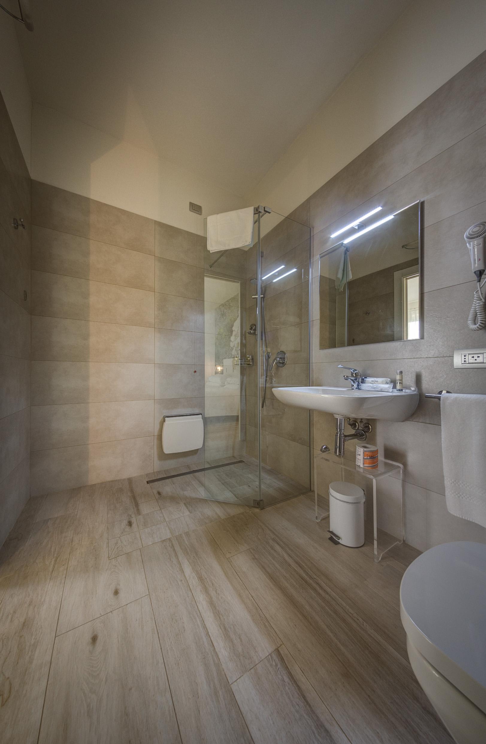 Comfort shower