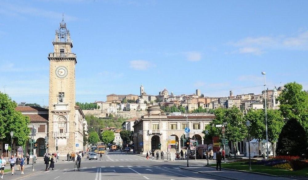Porta Nuova Bergamo.jpg