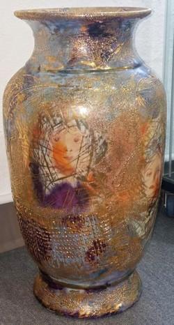 Elegant Golden Ladies floor vase, D.Youn