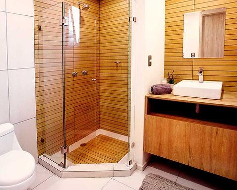 baño-principal-calandrias-residencial.jp