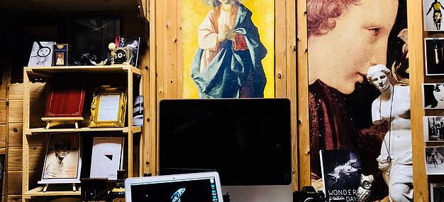 """出版 / 上海アーティスト イン レジデンス/「Collection」""""パンパンに詰められた貝"""""""