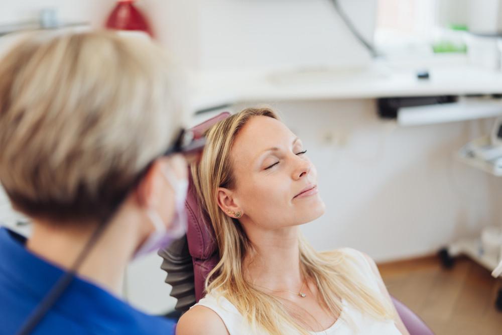 relaxed-dentist-sedation-sleep-dentistry