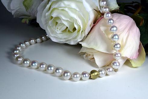 Perlenkettegr.jpg