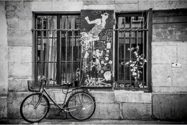Paris 8 postcard-4inx6in-h-front.JPG