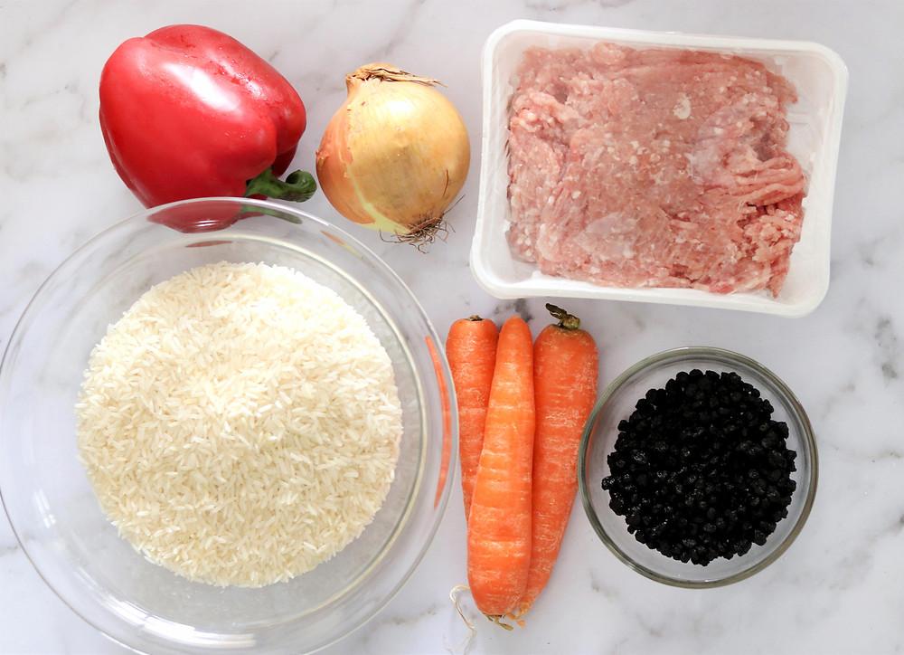 מצרכים לעוגת אורז חגיגית עם בשר