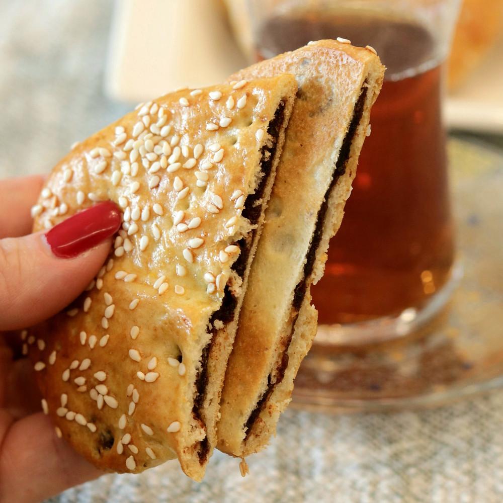 עוגיות תמרים - בעבע ב'תמר