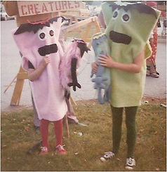 Lisa and Sindy in It costumes.jpg