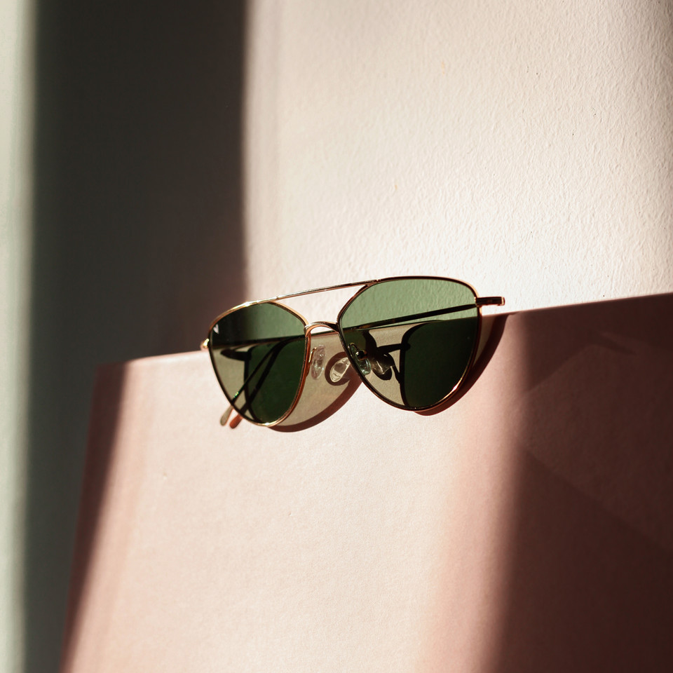 Sunglasses >