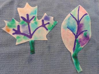 Des feuilles multicolores / Tie-dye Leaves