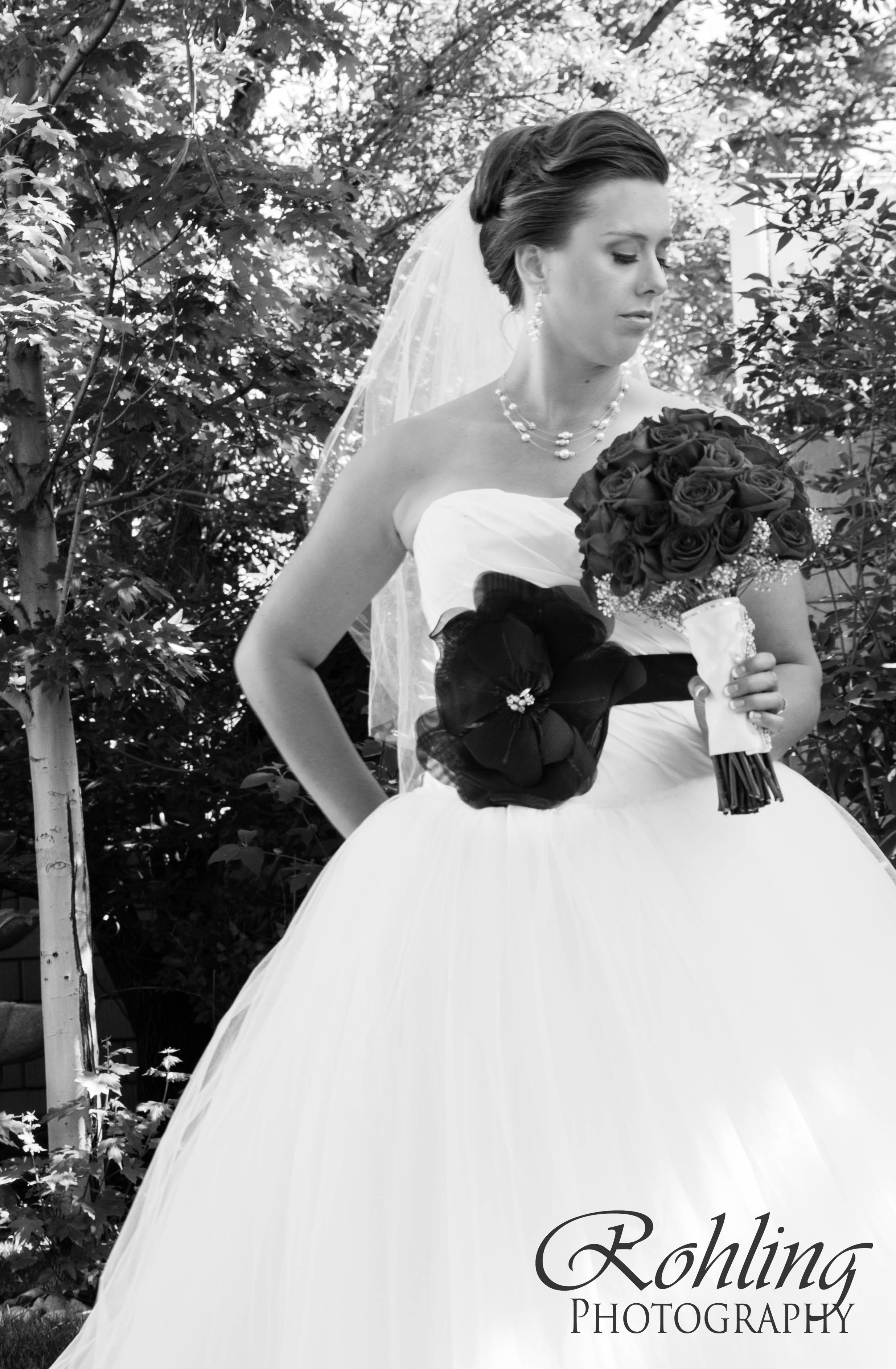 Black and white bridal photos