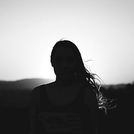 girl-2619115_1920_edited_edited.jpg