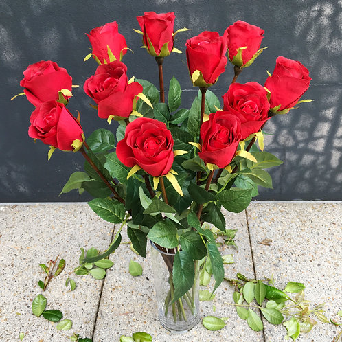 Rose Bud Bouquet - Cherry Red