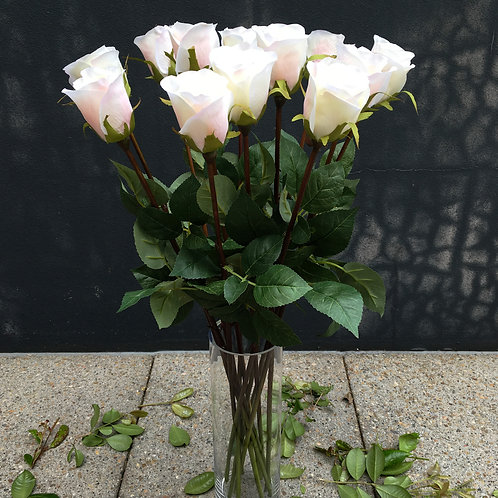 Rose Bud Bouquet - White