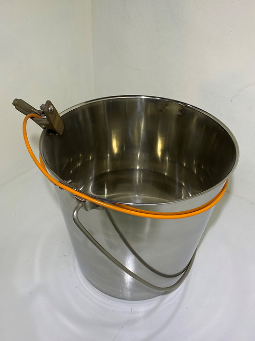 QC-060 - 9Ltr Basic Stainless Steel Bucket with Bonding Lead and Clip