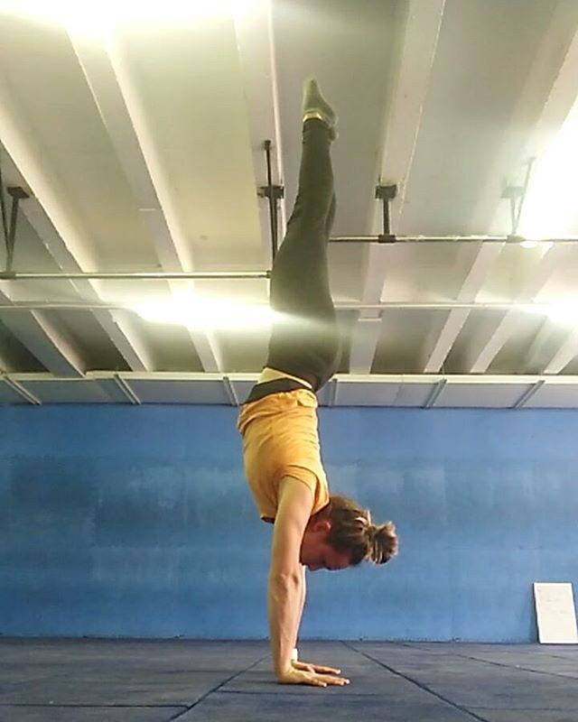 handstands while pregnant