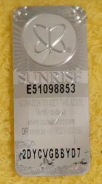 Yonex Sunrise hologram after scratching