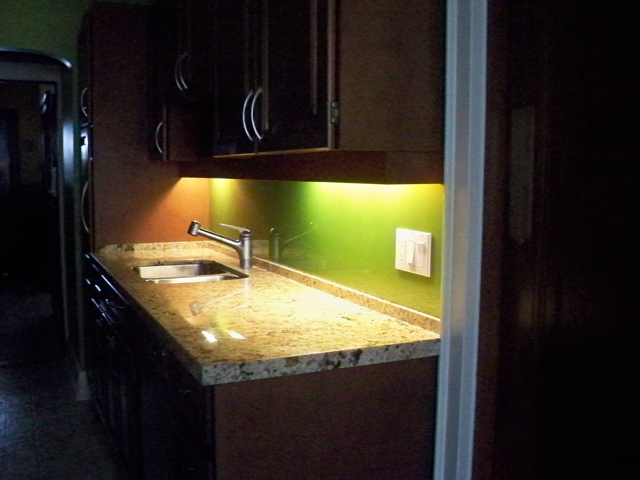 Kitchen Backsplash 3 2011.jpg