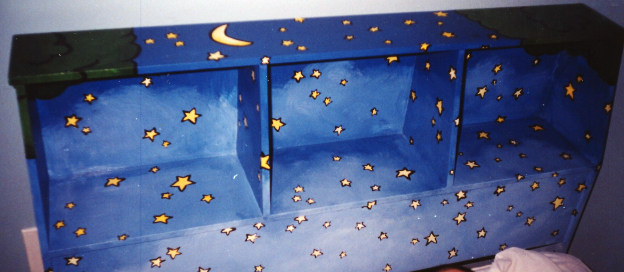 Murals By Marg hand painted furniture Tigger and Roo Bed 2.jpg